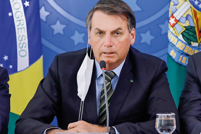 Bolsonaro demite Mandetta