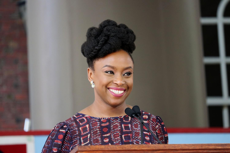 Chimamanda Ngozi Adichie: A necessidade de difusão da literatura africana