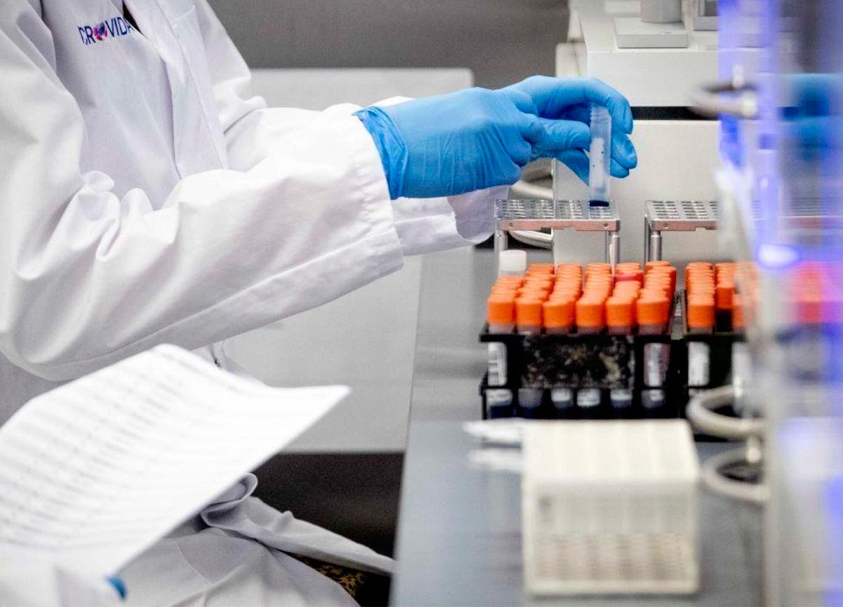 Cientistas de Hong Kong estudam primeiro caso de reinfecção do coronavírus.
