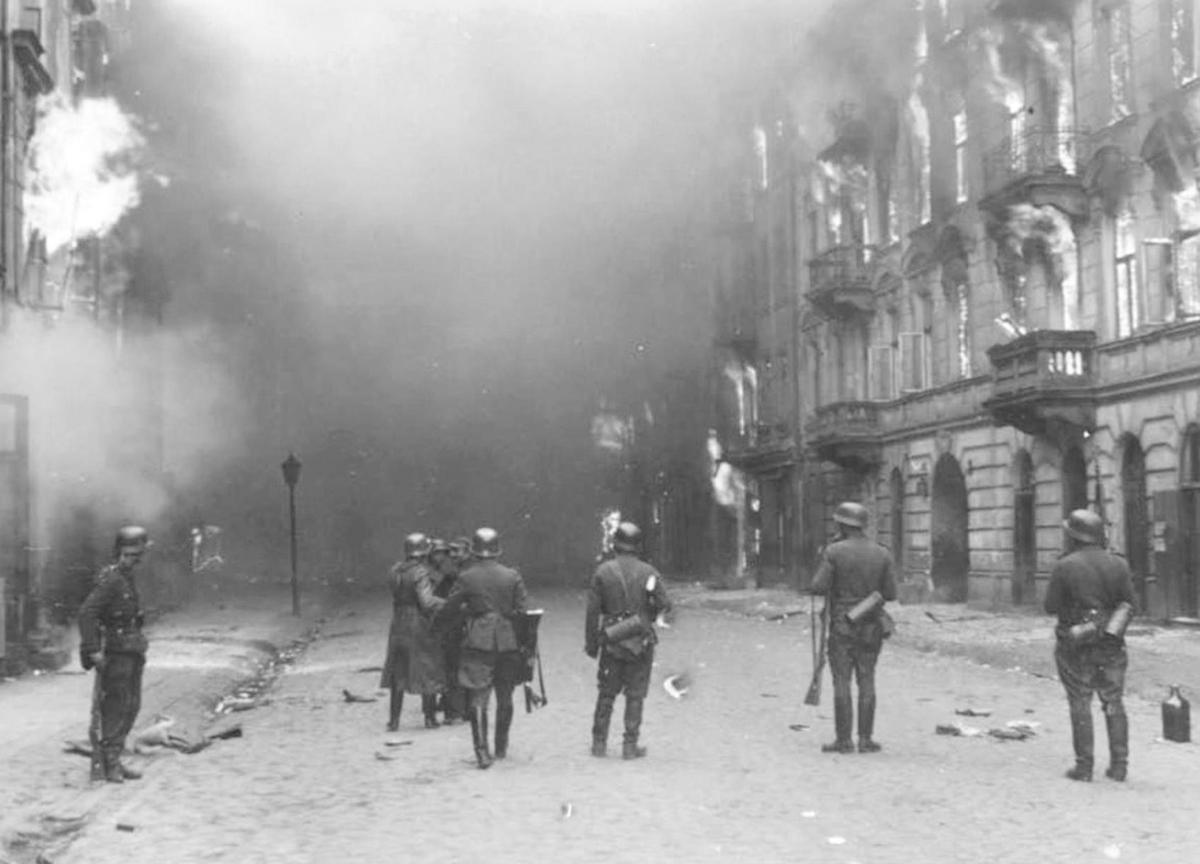 O que foi o Levante do Gueto de Varsóvia
