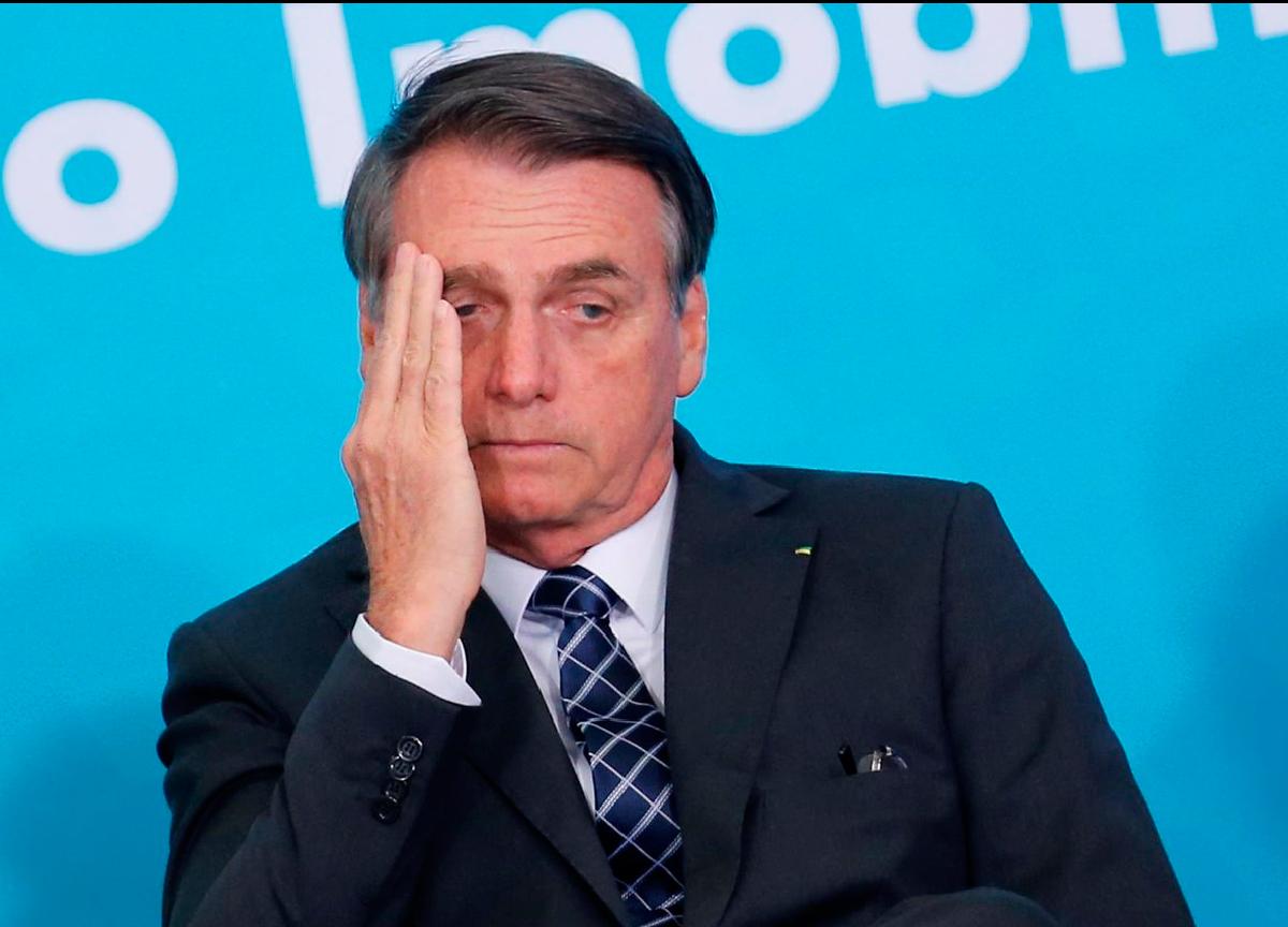 Bolsonaro é acusado de crime contra a humanidade