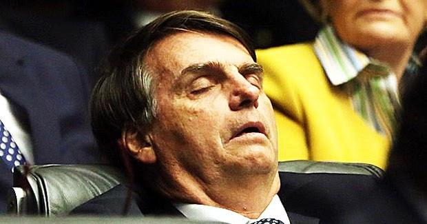 Bolsonaro-dormindo.jpg