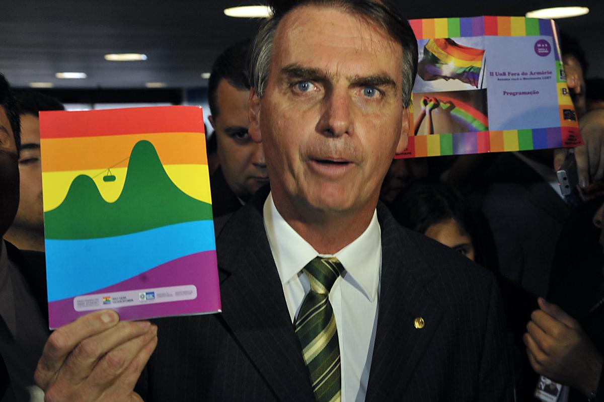 """Opinião: Bolsonaro, adoração ao """"Kit Gay"""" e suas consequências"""