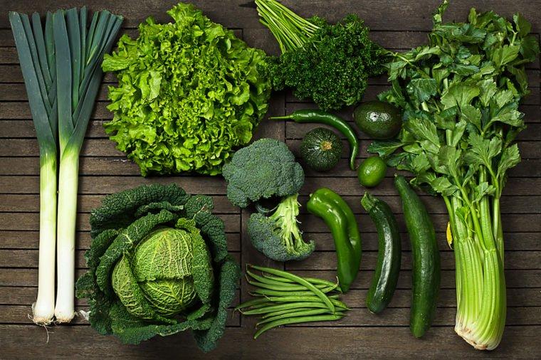 benefícios dos vegetais verde-escuros