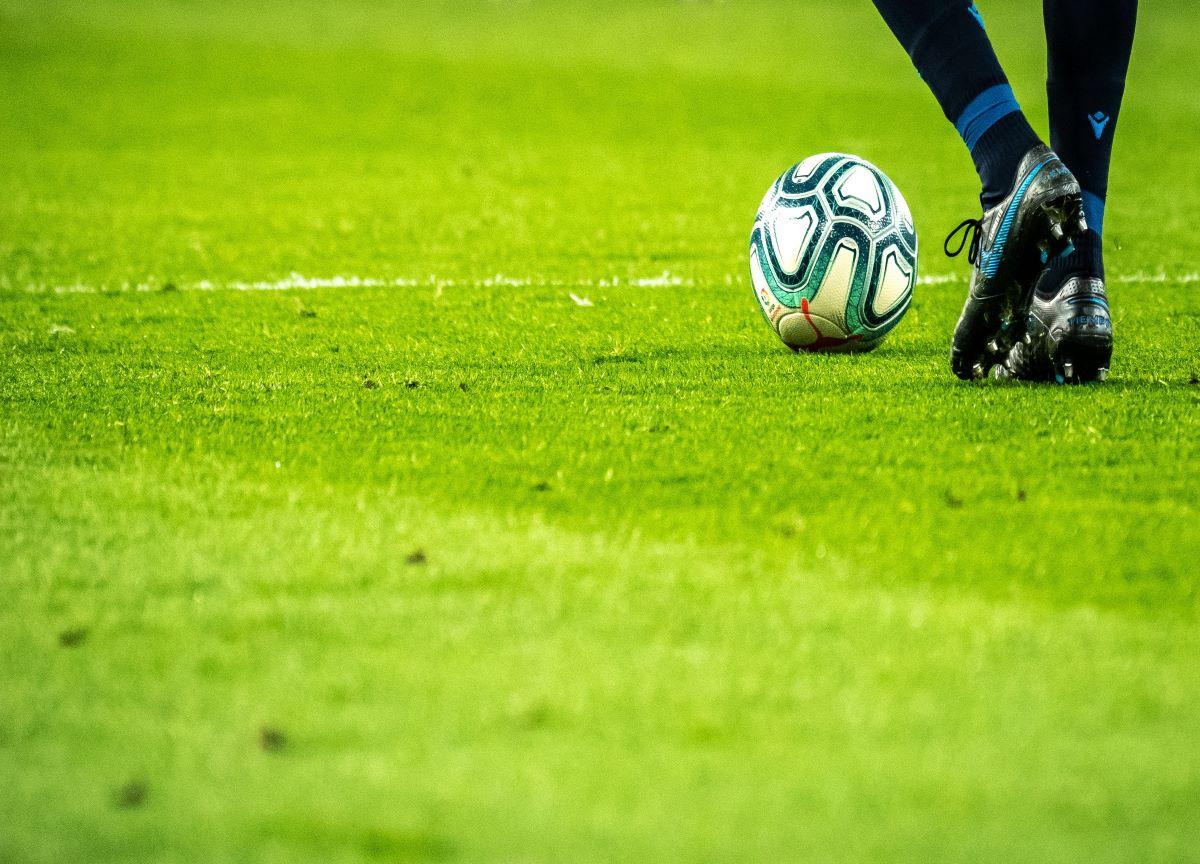 Retomar o futebol no Brasil é uma atitude desconexa com a realidade