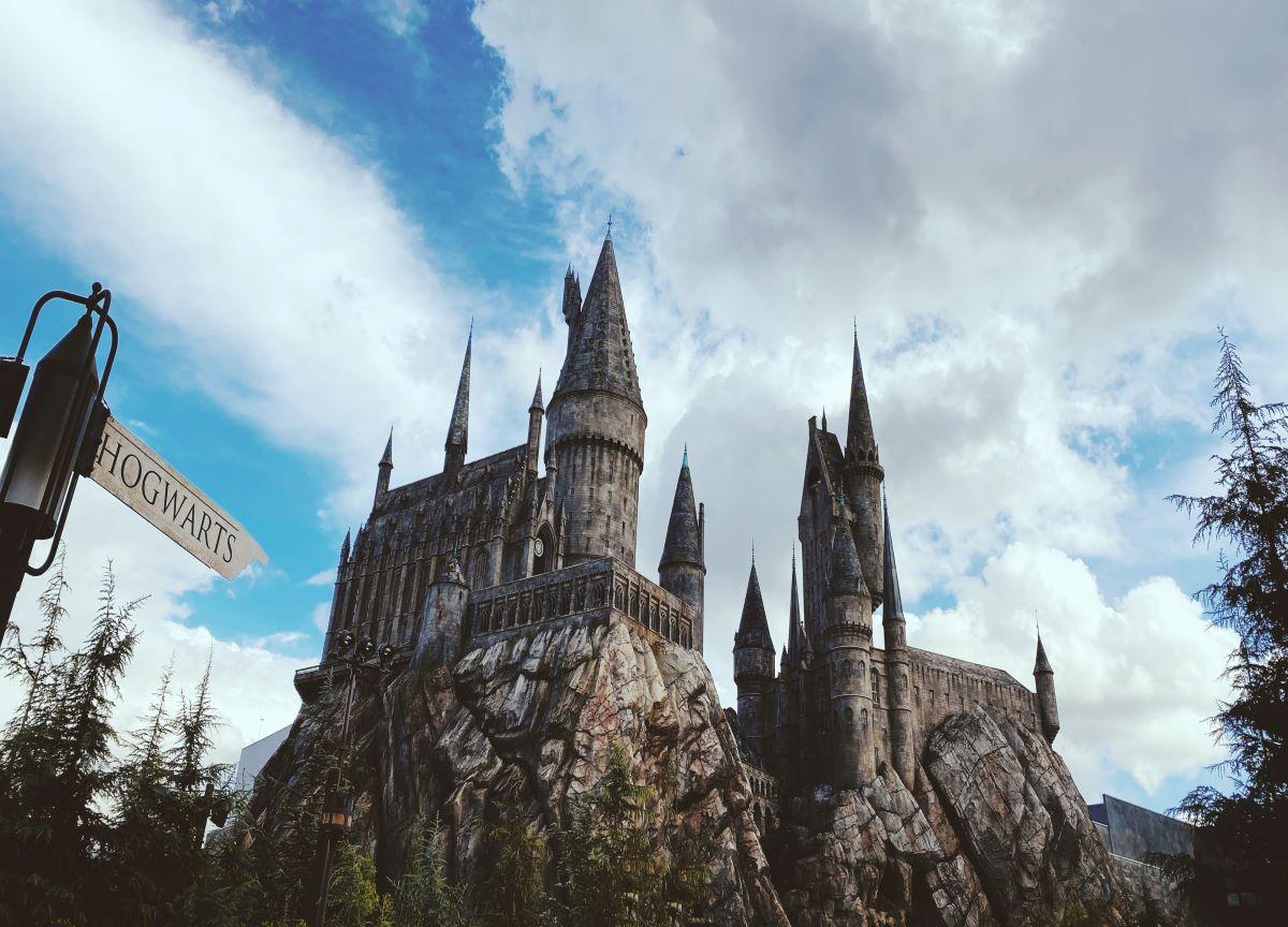 Por que a saga 'Harry Potter' faz tanto sucesso até nos dias de hoje?