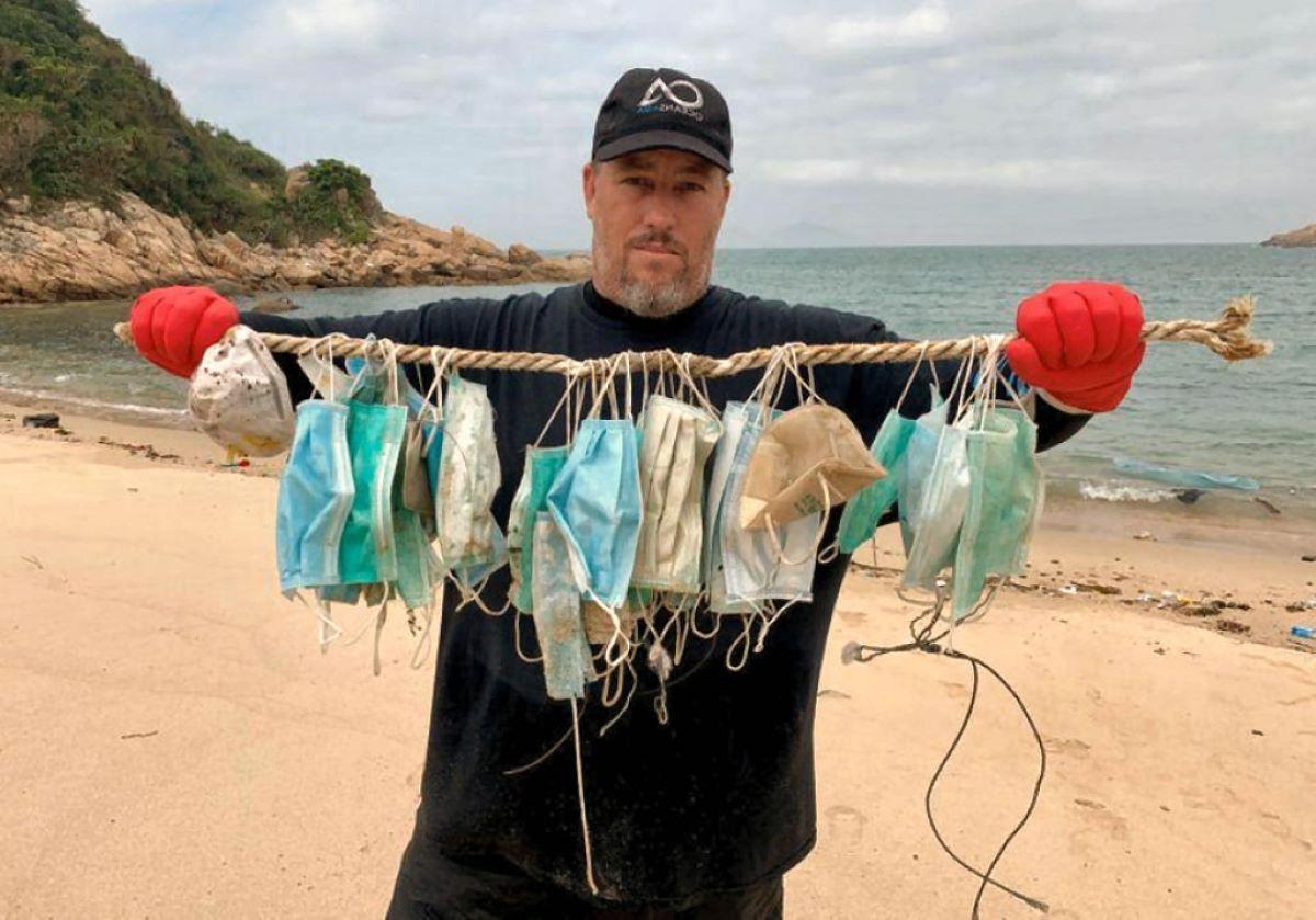 máscaras encontradas em praias