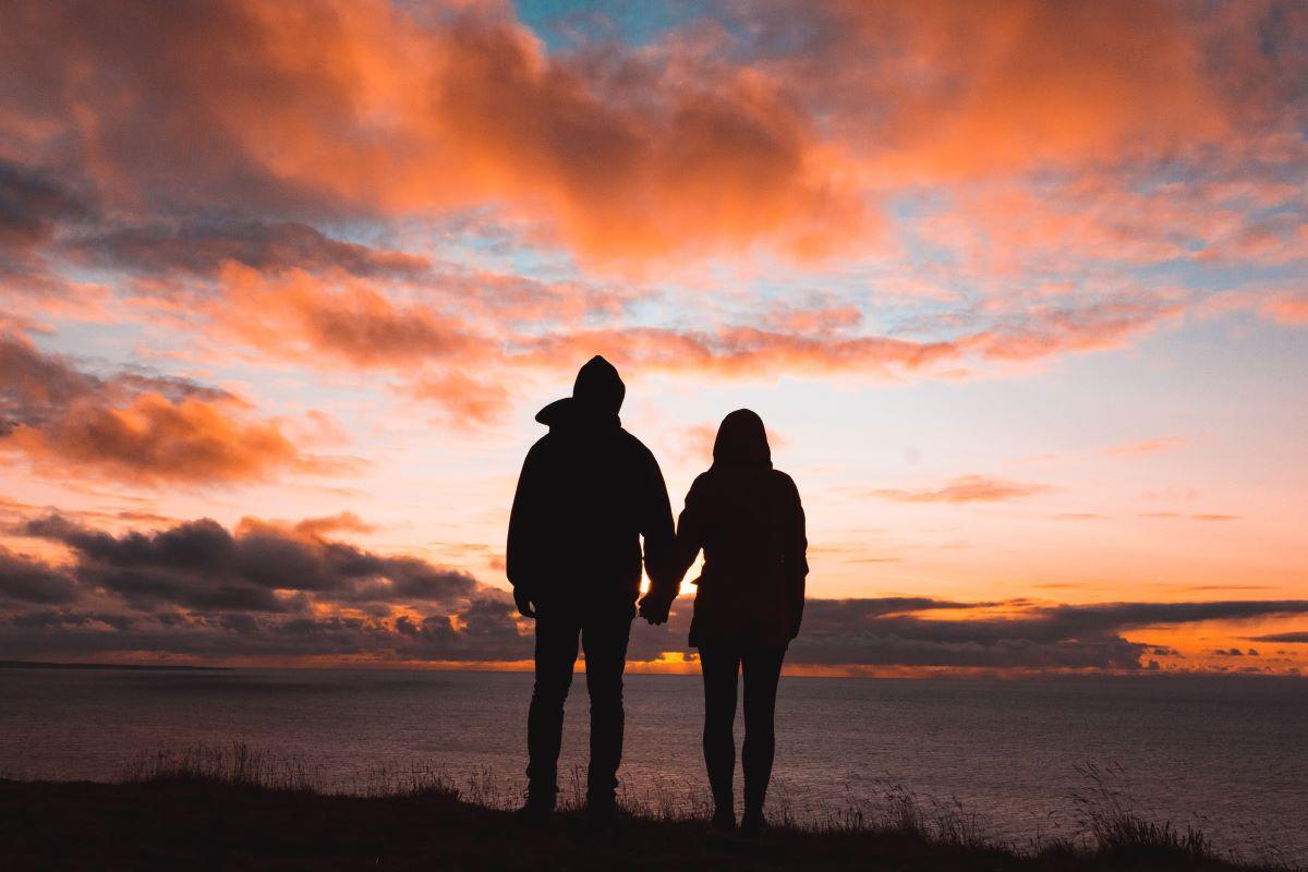 Namoro à distância é um mito? Entenda mais sobre o relacionamento