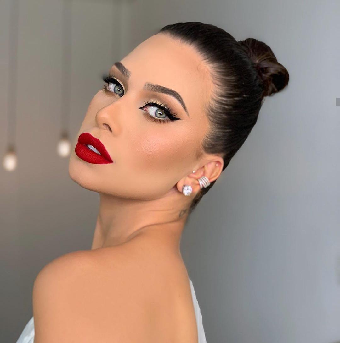 Flávia Pavanelli parecida com a atriz de 365 dni netflix