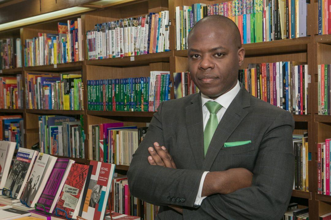 Professor do Mackenzie falará sobre racismo no programa Roda Vida