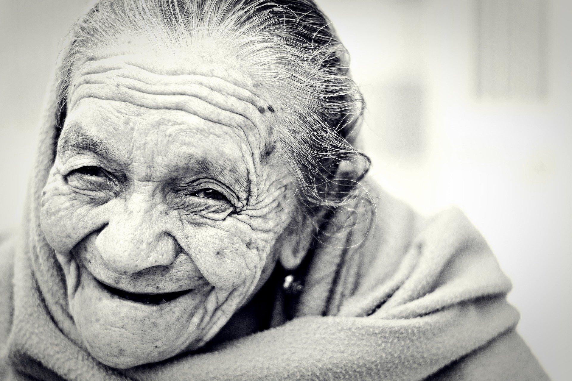 Iniciativa da Fecap Social  leva cartas a idosos durante pandemia