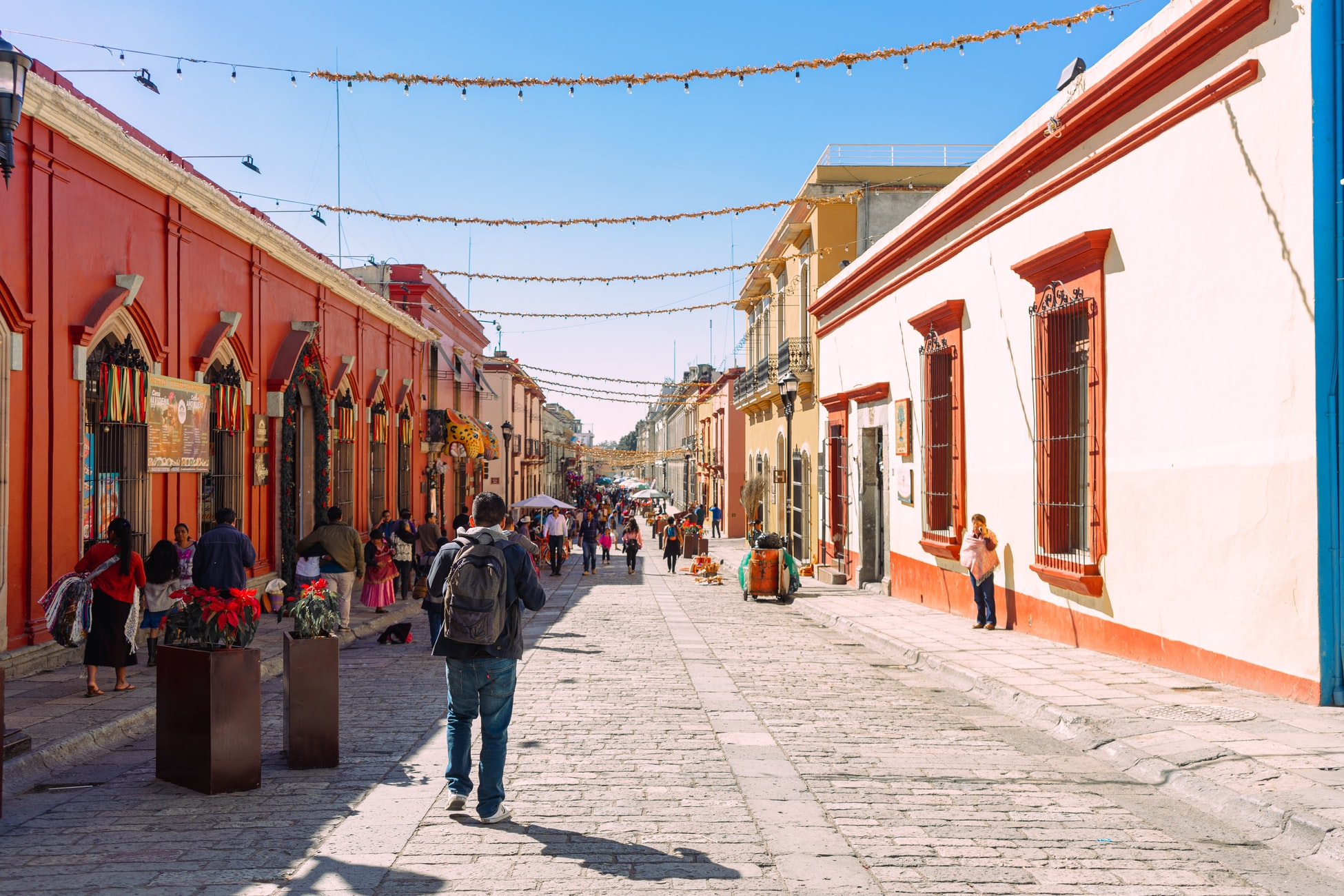 Terremotos atingem México e Estados Unidos