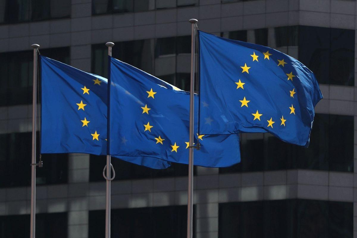 União Europeia reabre fronteiras
