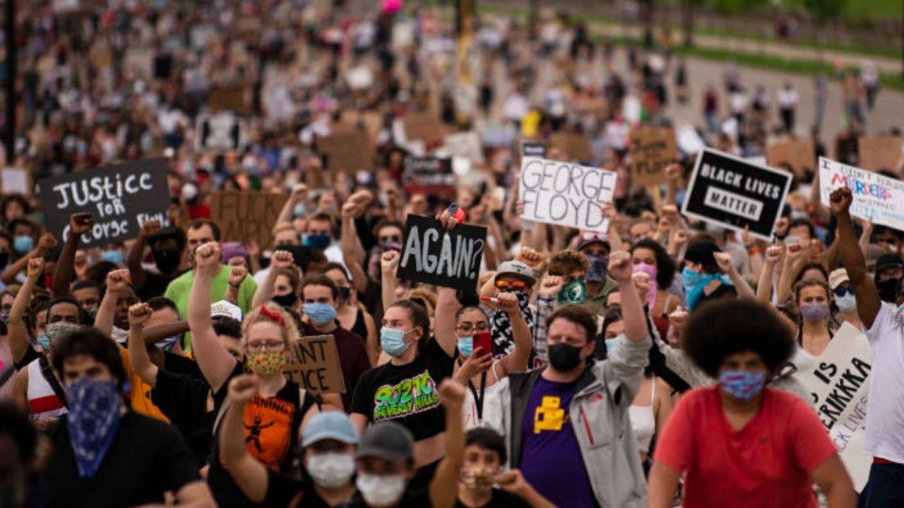 Por que os protestos antirracismo não têm tanta visibilidade no Brasil