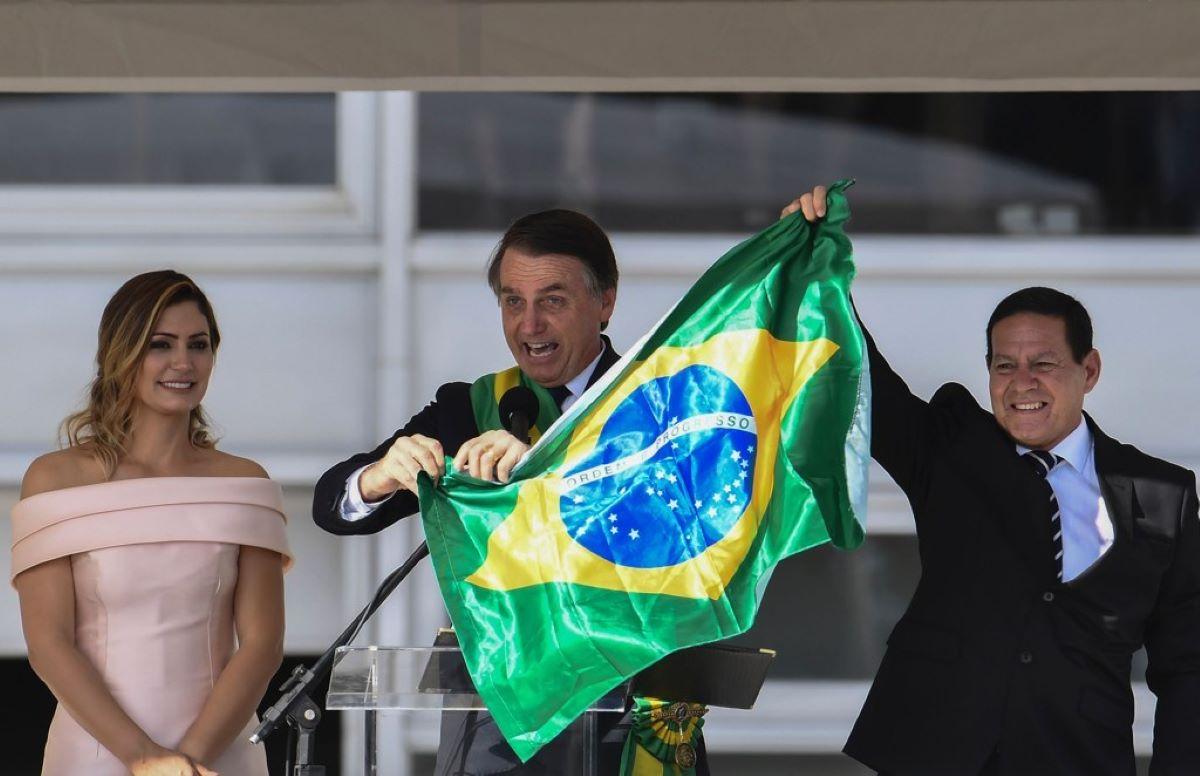 Opinião: Por que Bolsonaro ainda não sofreu impeachment?