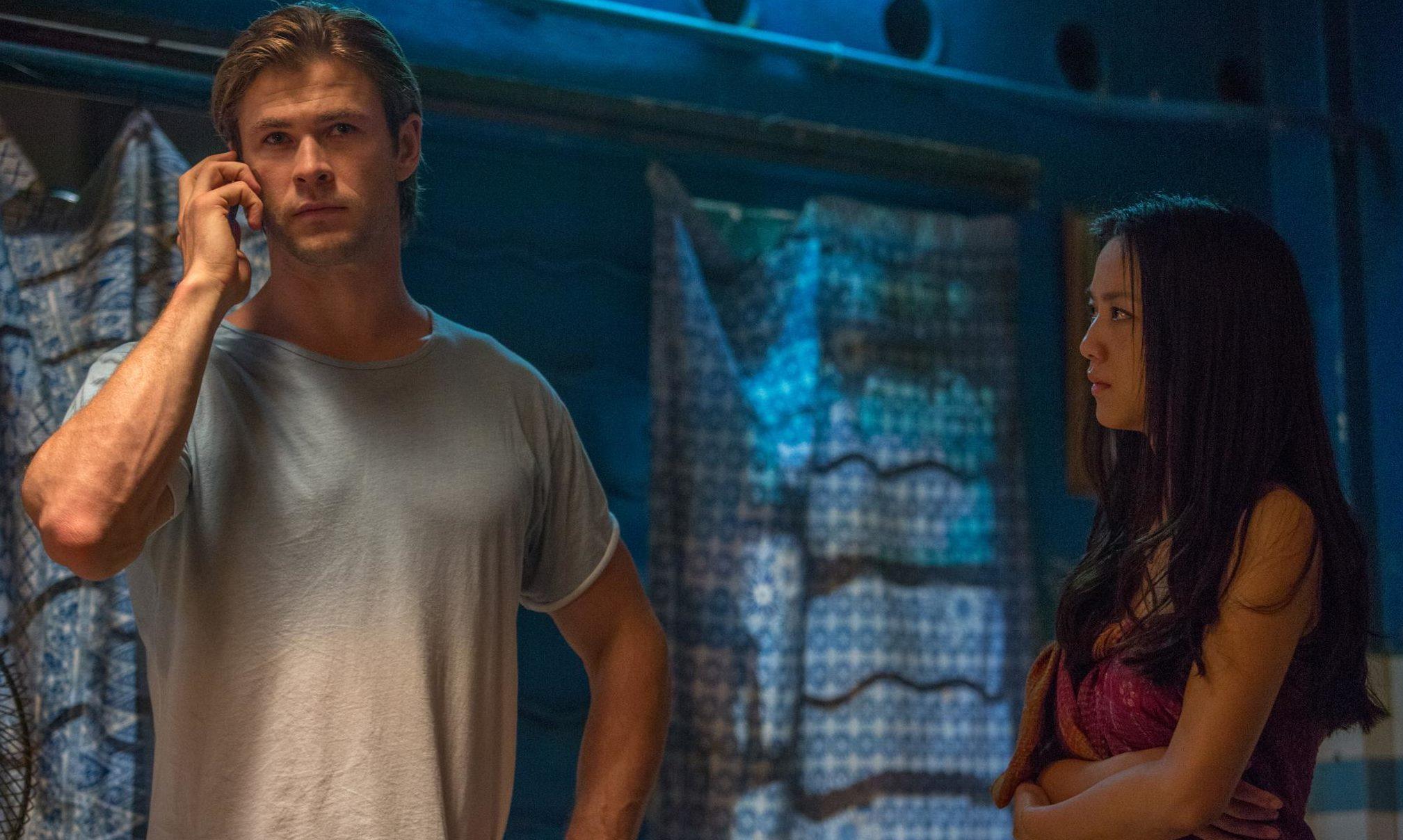 Chris Hemsworth é Nicholas Hathaway em Hacker.