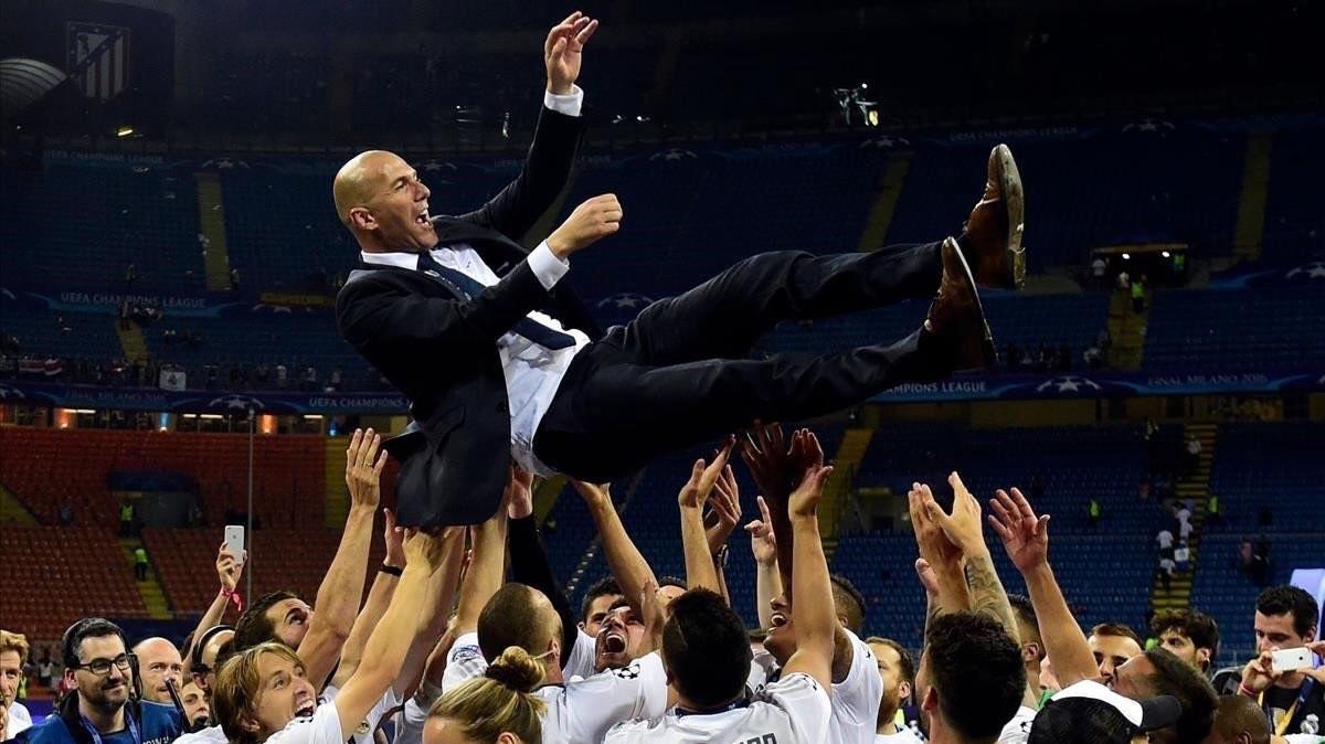 Real Madrid é campeão espanhol e se isola na liderança histórica
