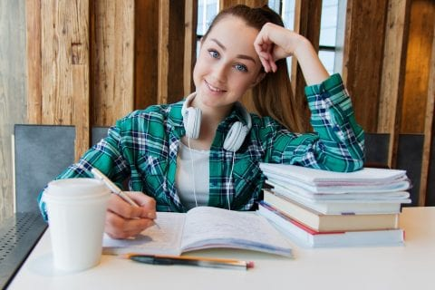 Bolsa Emergencial para estudantes de Faculdades Particulares