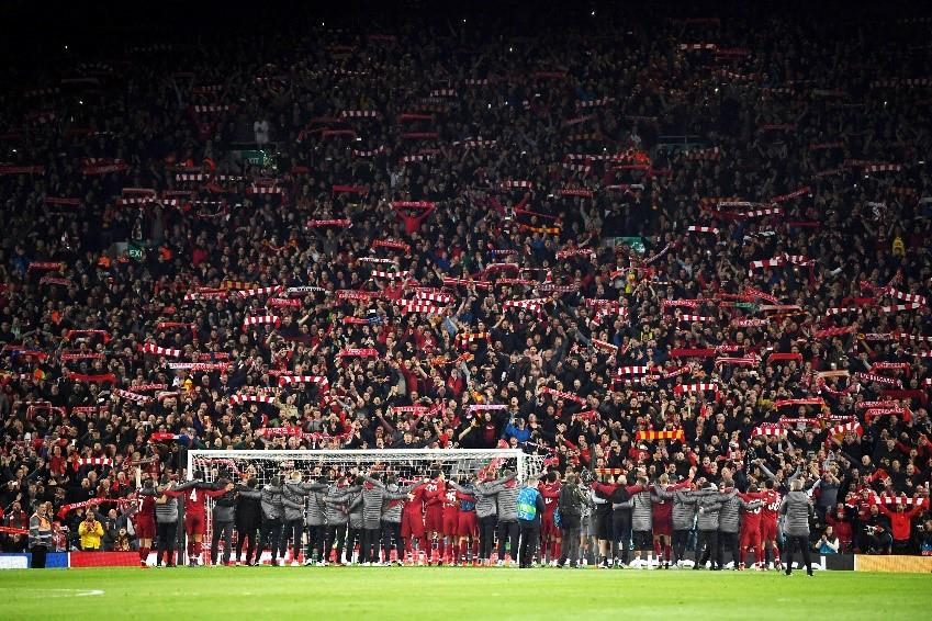 Liverpool cantando You'll never walk alone