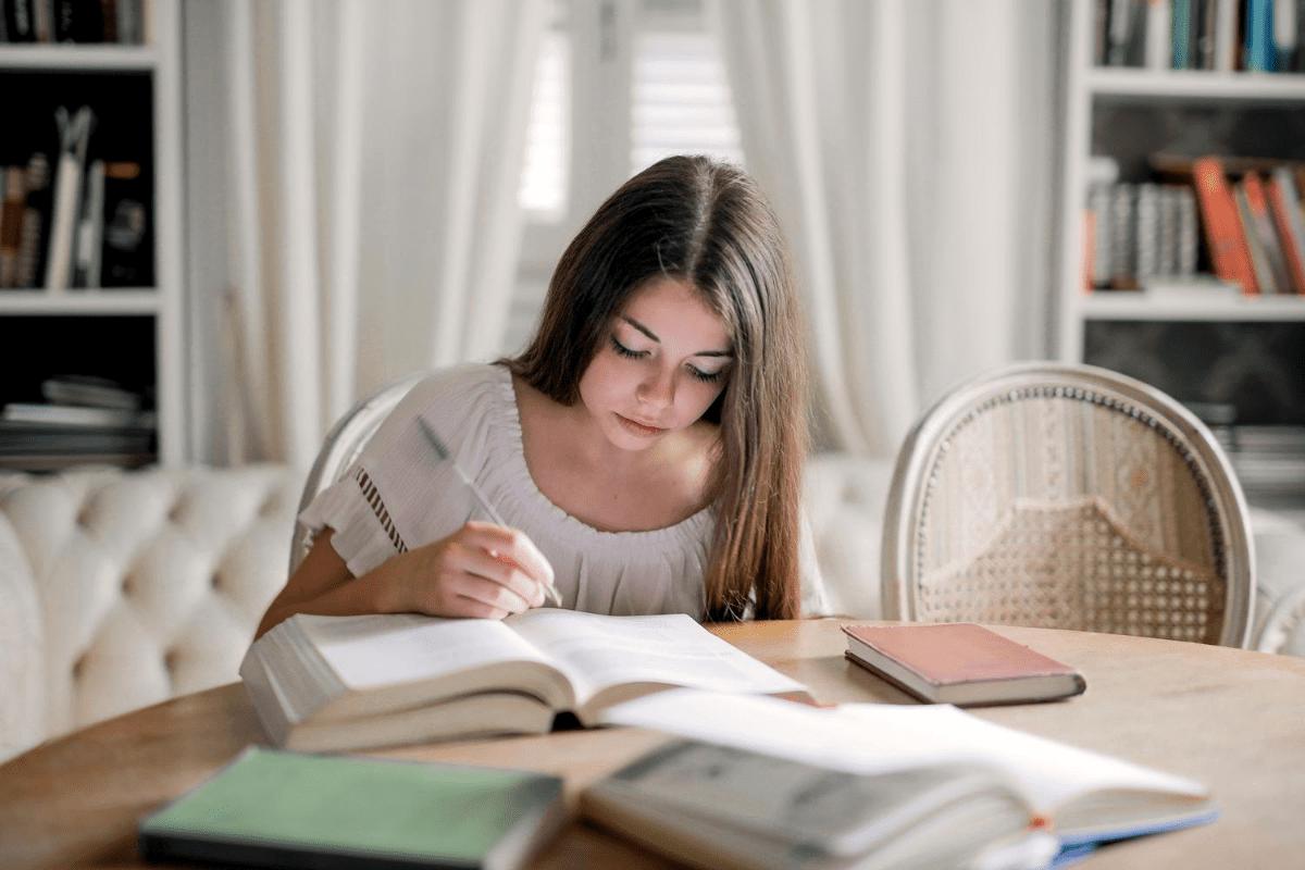 O Ensino Superior ainda é decisivo para o mercado de trabalho?