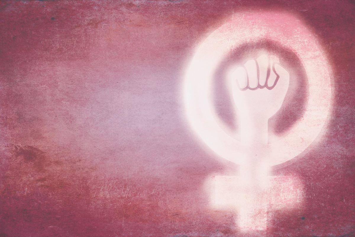 Por que temos que falar sobre o feminismo?