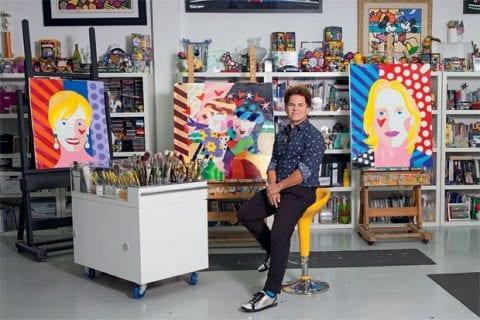 Romero Britto. FOTO: https://gq.globo.com/Prazeres/Poder/noticia/2014/11/romero-britto-o-brasileiro-mais-poderoso-e-odiado-da-arte-contemporanea.html