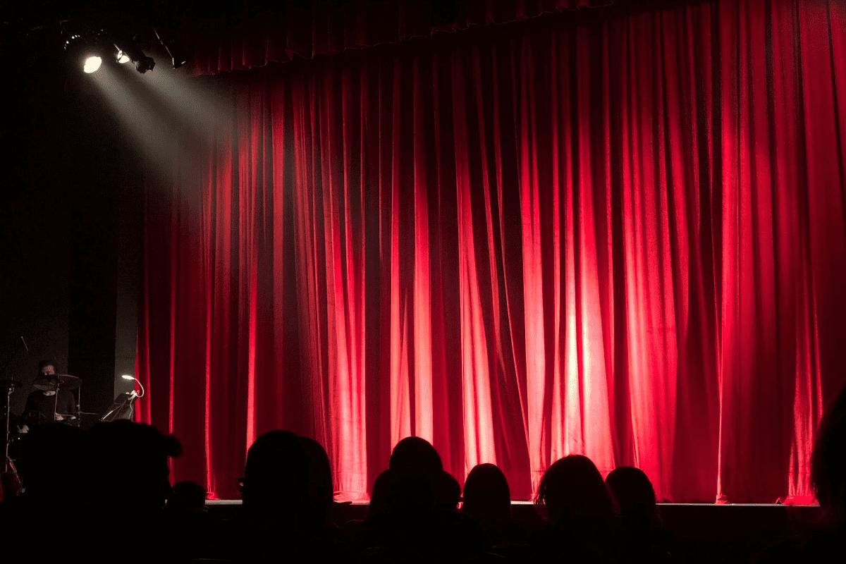 Artistas da Broadway oferecem espetáculos e aulas on-line no Airbnb