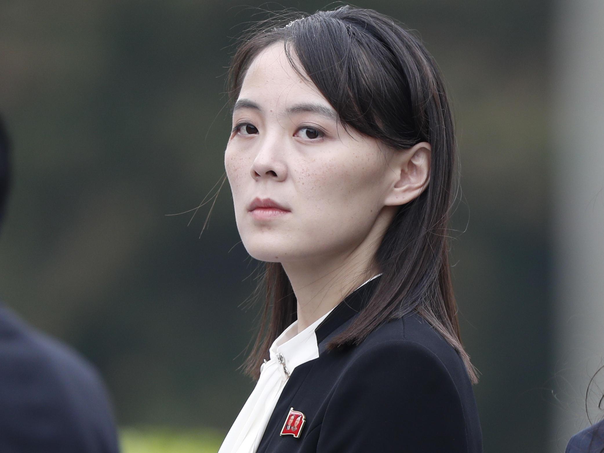 Kim Yo-Jong terá mais responsabilidades devido à saúde debilitada de seu irmão. FOTO: https://www.wuwf.org/post/kim-yo-jong-sister-north-koreas-ruler-rises-through-ranks-tough-rhetoric
