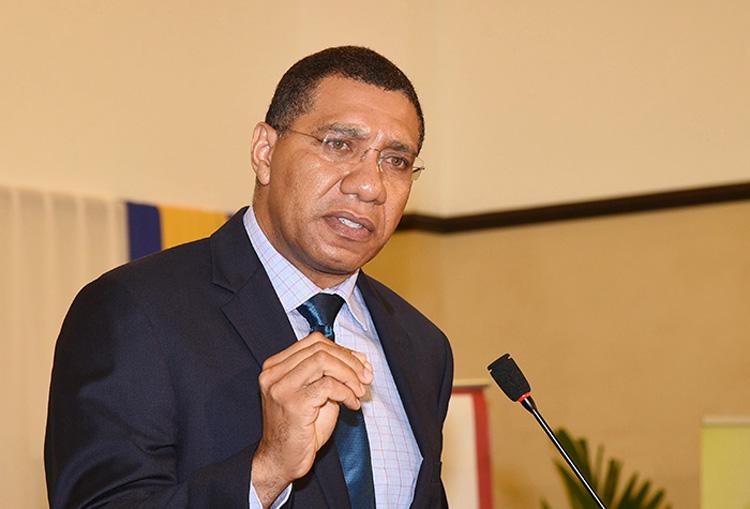 Andrew Holness, primeiro ministro da Jamaica, é candidato para re-eleição.