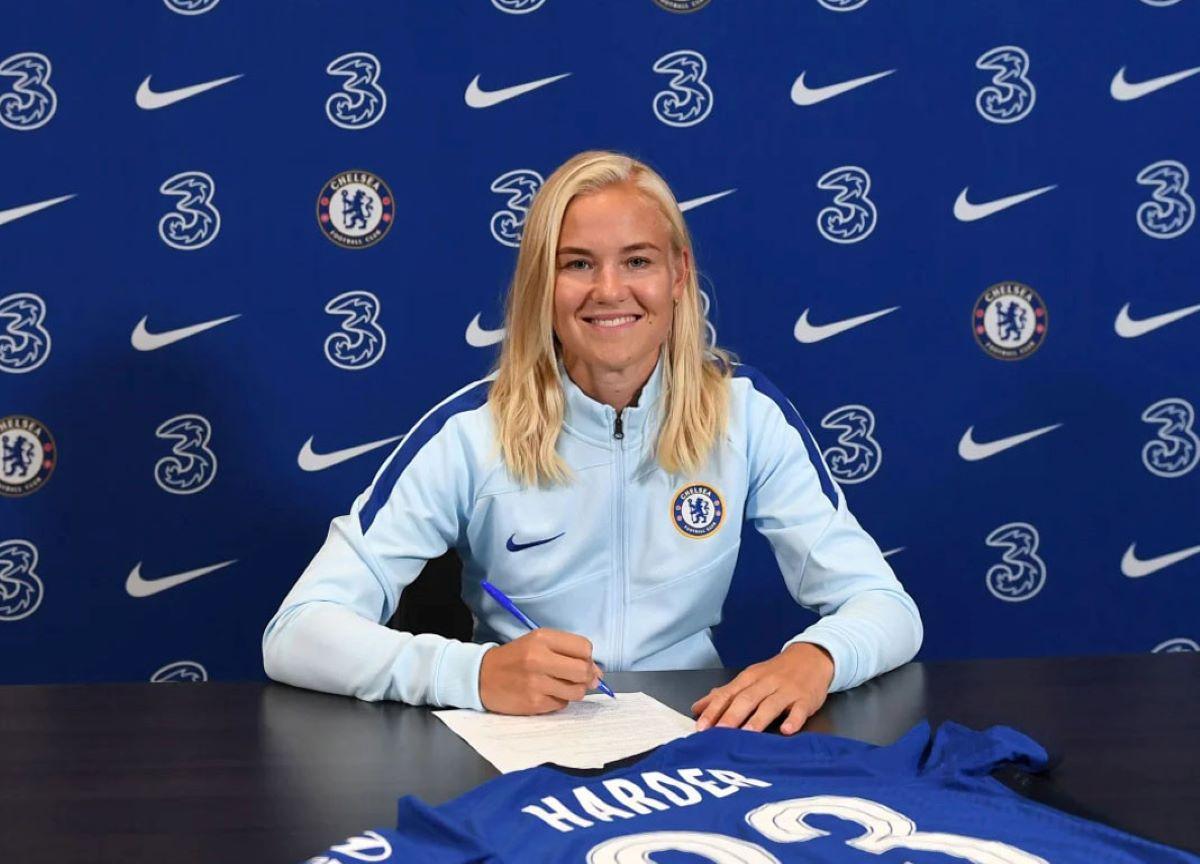 Pernille Harder no Chelsea: transferência mais cara do futebol feminino