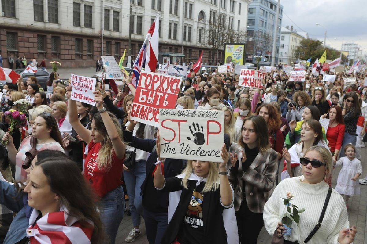 Protestos em Belarus e justiça por Mari Ferrer no Brasil