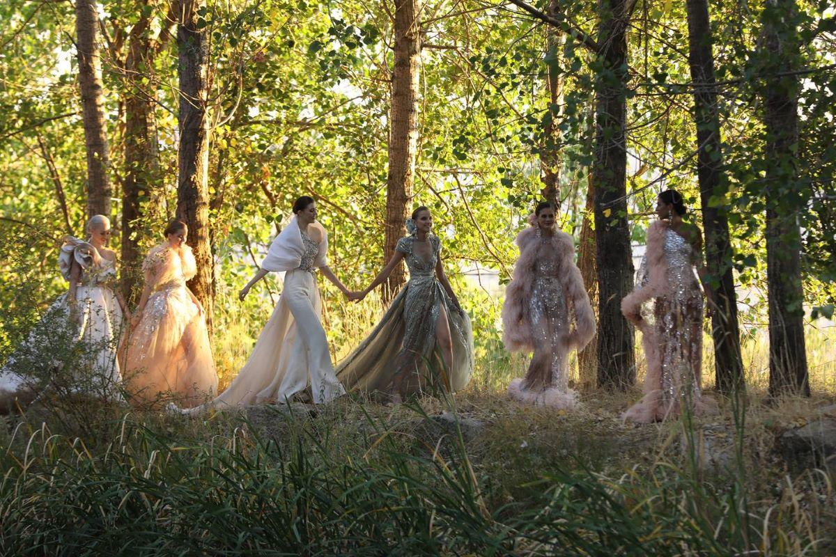 Nova coleção de vestidos de Elie Saab é lançada em setembro