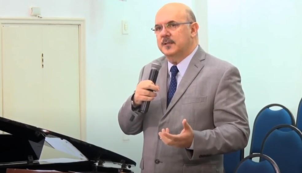 Ministro da Educação faz comentários homofóbicos em entrevista