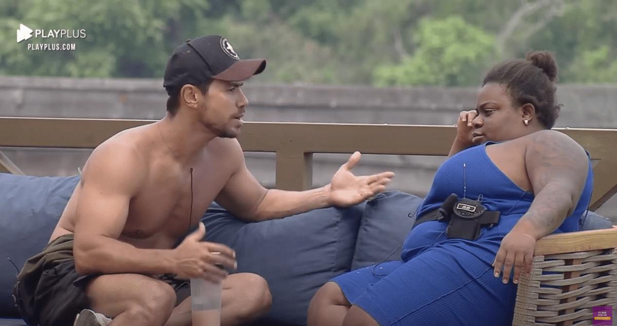 A Fazenda 12: Mariano conversa sobre convívio e respeito com Jojo Todynho