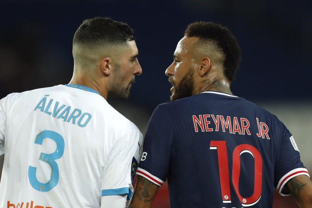 Neymar sofre racismo