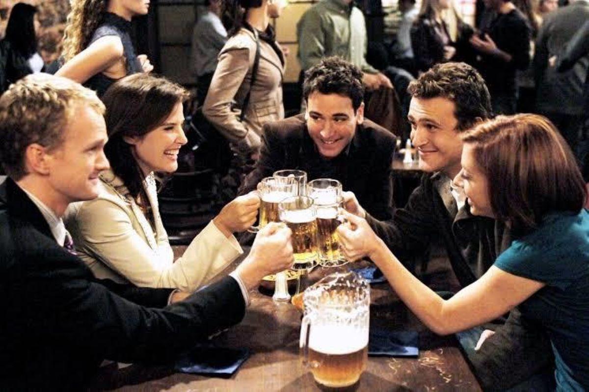 Confira 5 séries ideais para quem ama comédias românticas