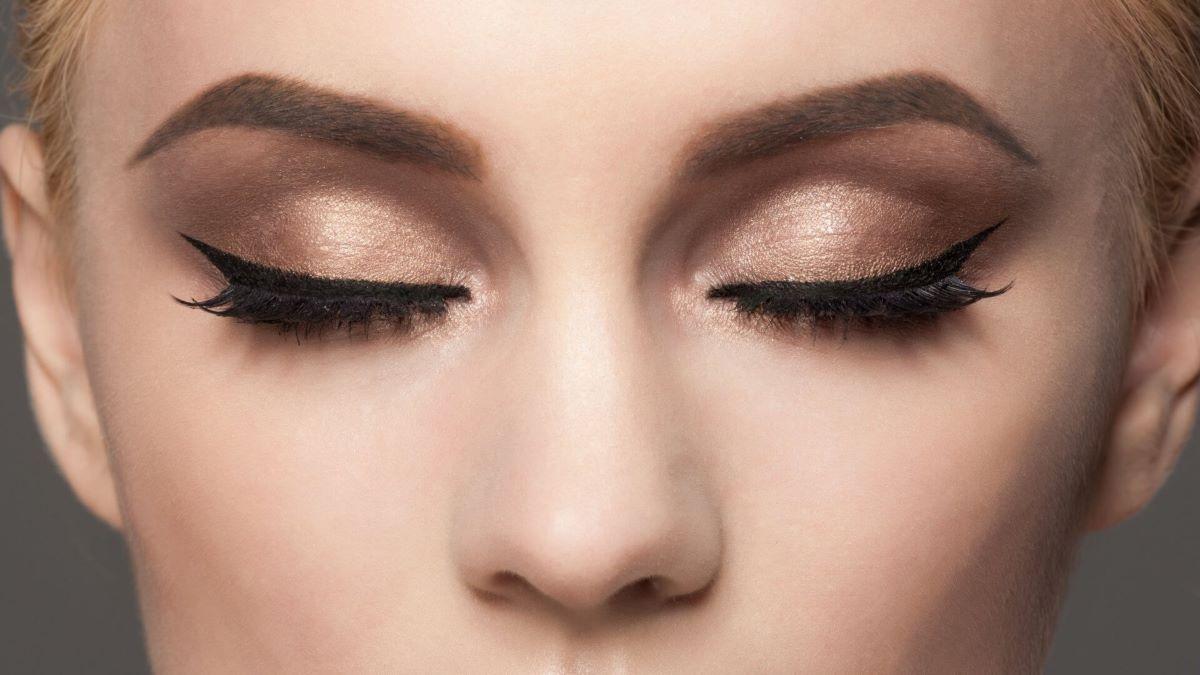 Saiba como fazer um delineado perfeito nos olhos