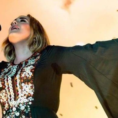 Adele lançará álbum novo em novembro, de acordo com rádio americana. Cantora não lança músicas novas desde 2015. FOTO: https://www.jm-madeira.pt/pessoas/ver/102454/Brad_Pitt_e_Adele_sao_o_novo_casal_sensacao_de_Hollywood