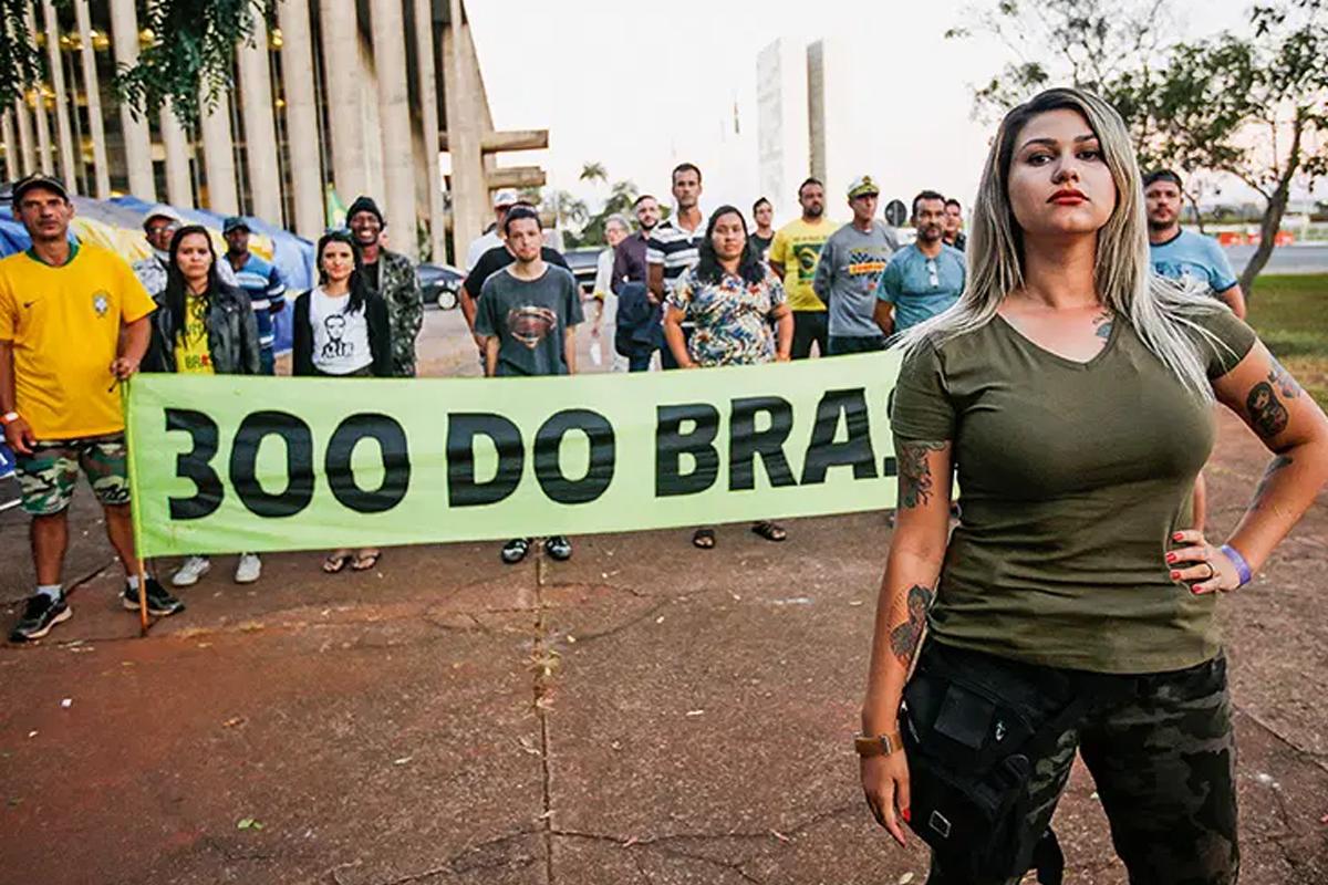 Sara Winter afirmar ser abandonada por Jair Bolsonaro e Damares