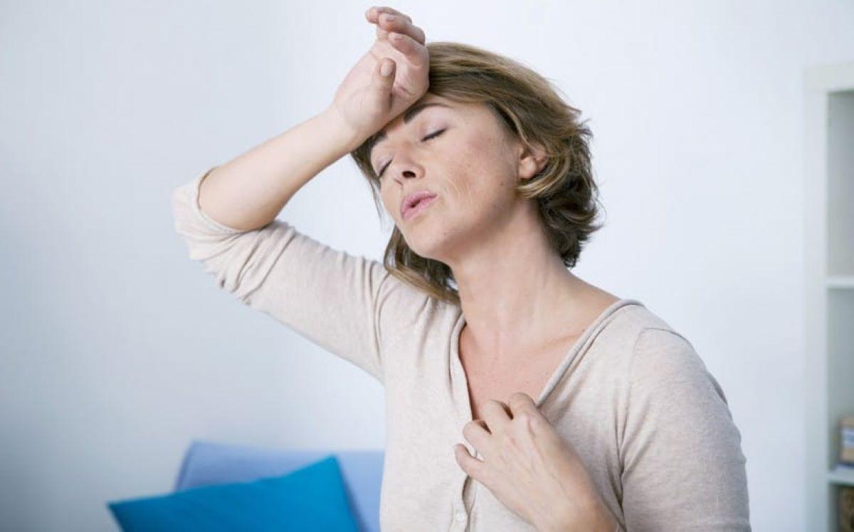 Como a menopausa afeta o corpo de uma mulher?