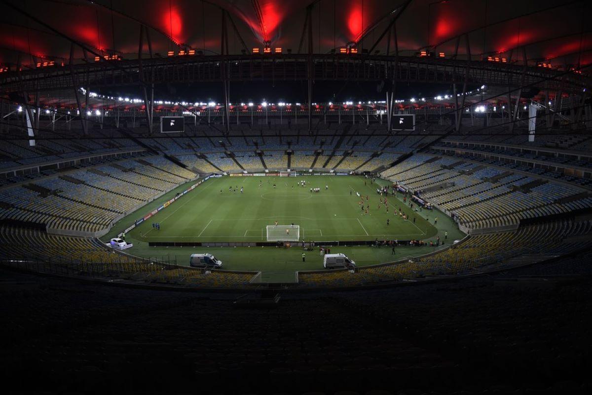 Opinião – A volta precoce dos torcedores ao estádio