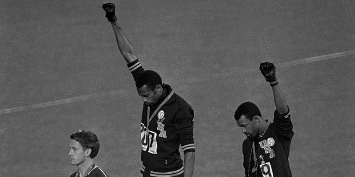 Símbolo de força: relembre o pódio olímpico mais icônico da história