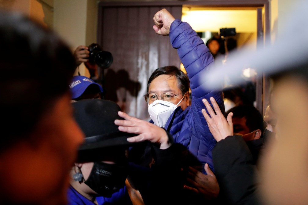 Bolívia: candidato que Morales recomendou vence eleições