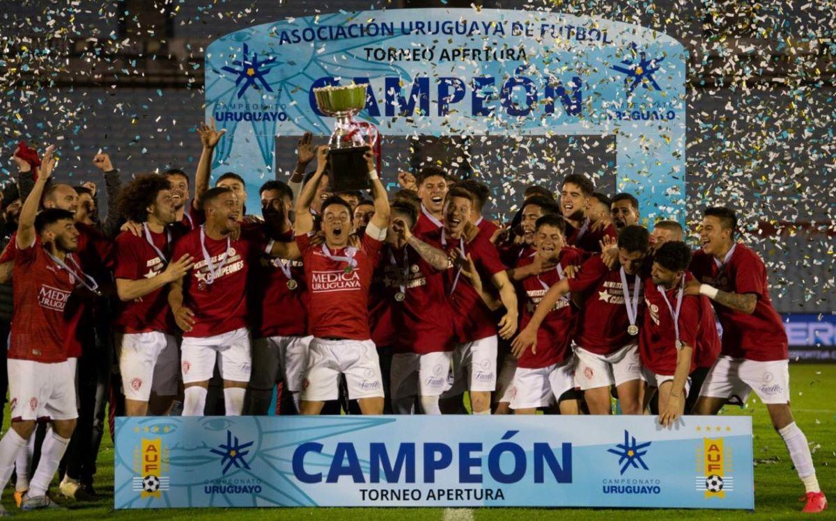 Pela 1ª vez na história, o Rentistas é campeão do Torneio Apertura