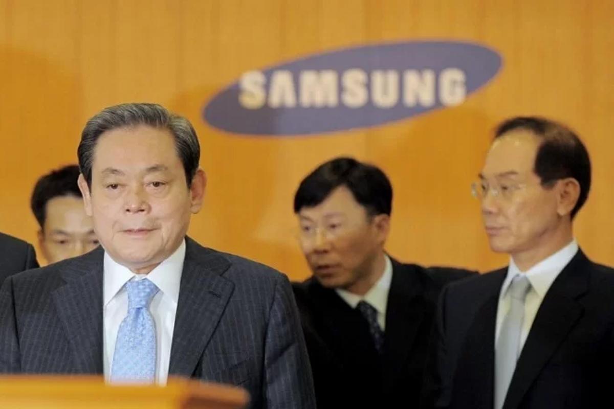 Quem assumirá a Samsung após morte do presidente Lee Kun-hee?
