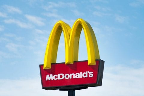 McDonald's oferecerá opção de hambúrguer vegano em 2021.