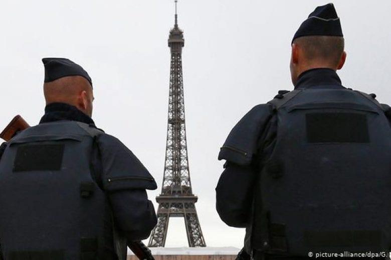 França está em estado de alerta após ataque terrorista em igreja na cidade de Nice. FOTO: https://www.dw.com/pt-br/fran%C3%A7a-mant%C3%A9m-alerta-terrorista-m%C3%A1ximo-nas-festas-de-fim-de-ano/a-36590887