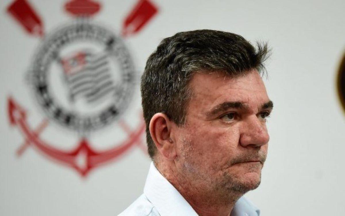 Andrés Sanchez pede licença da presidência do Corinthians