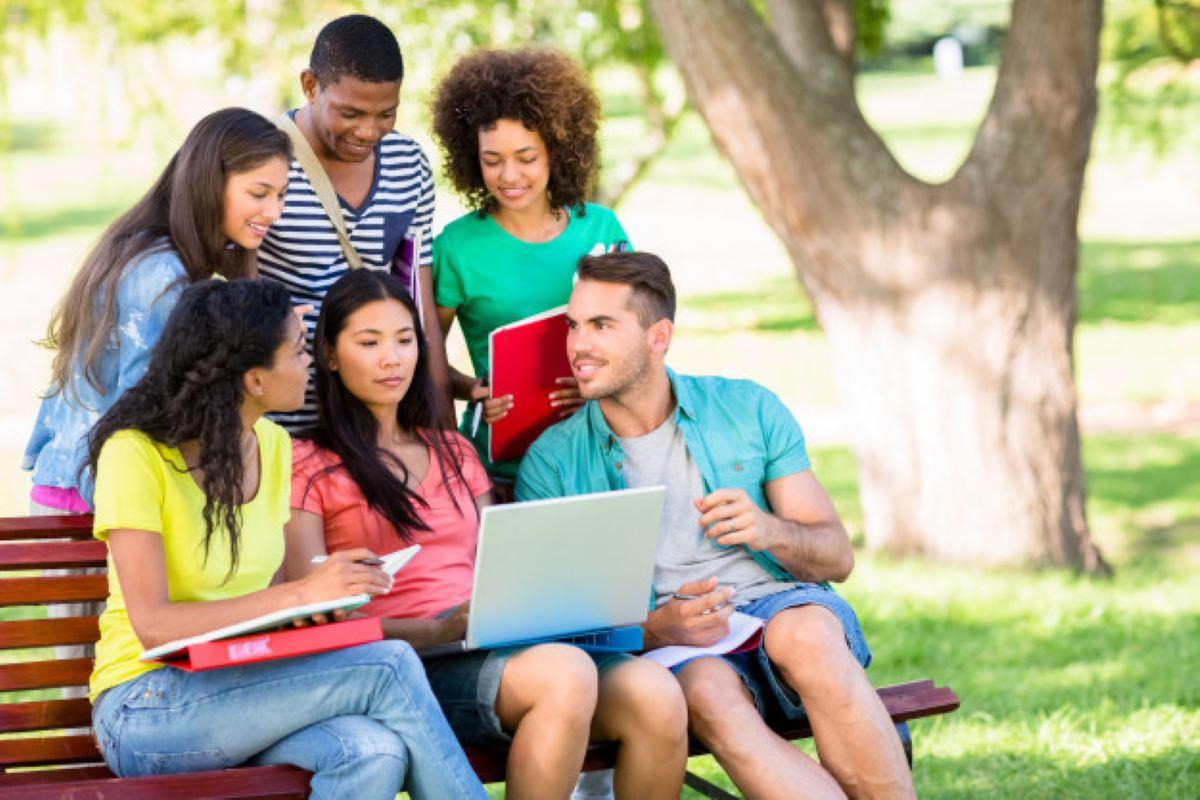 De universitários para universitários: 5 dicas para você