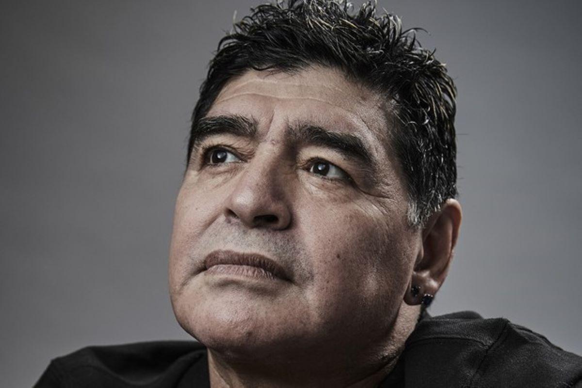 Gênio Diego Maradona morre aos 60 anos, nesta quarta-feira
